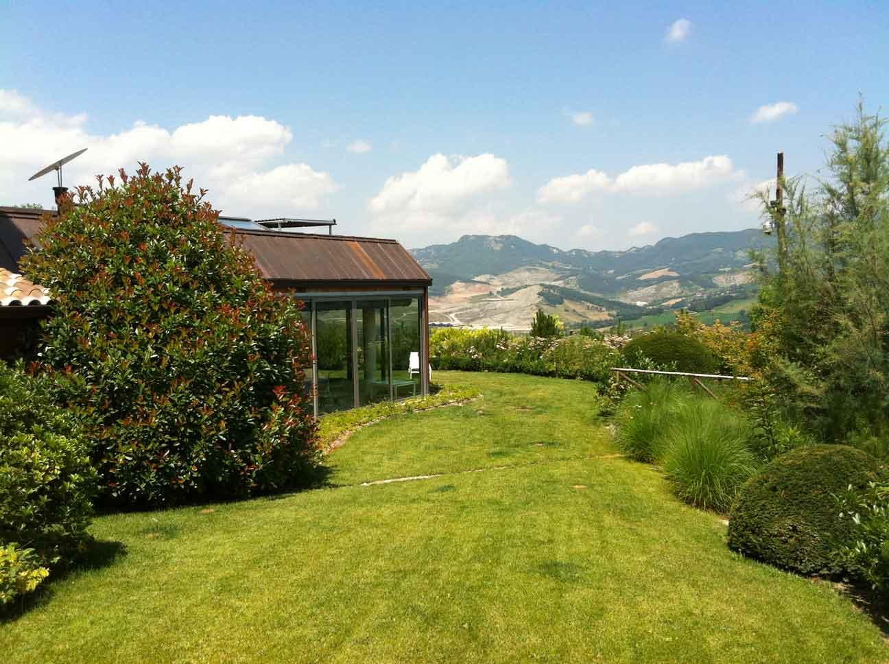 Italian luxury stone house 700 sqm with pool and garden for Italianhouse